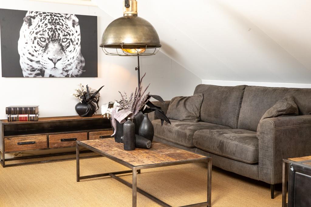 Industrieel meubelprogramma
