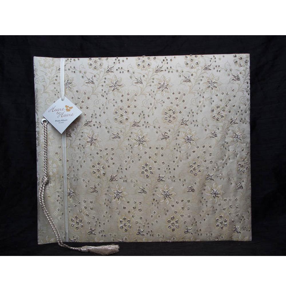 Fotoboek groot met kralen en borduursel