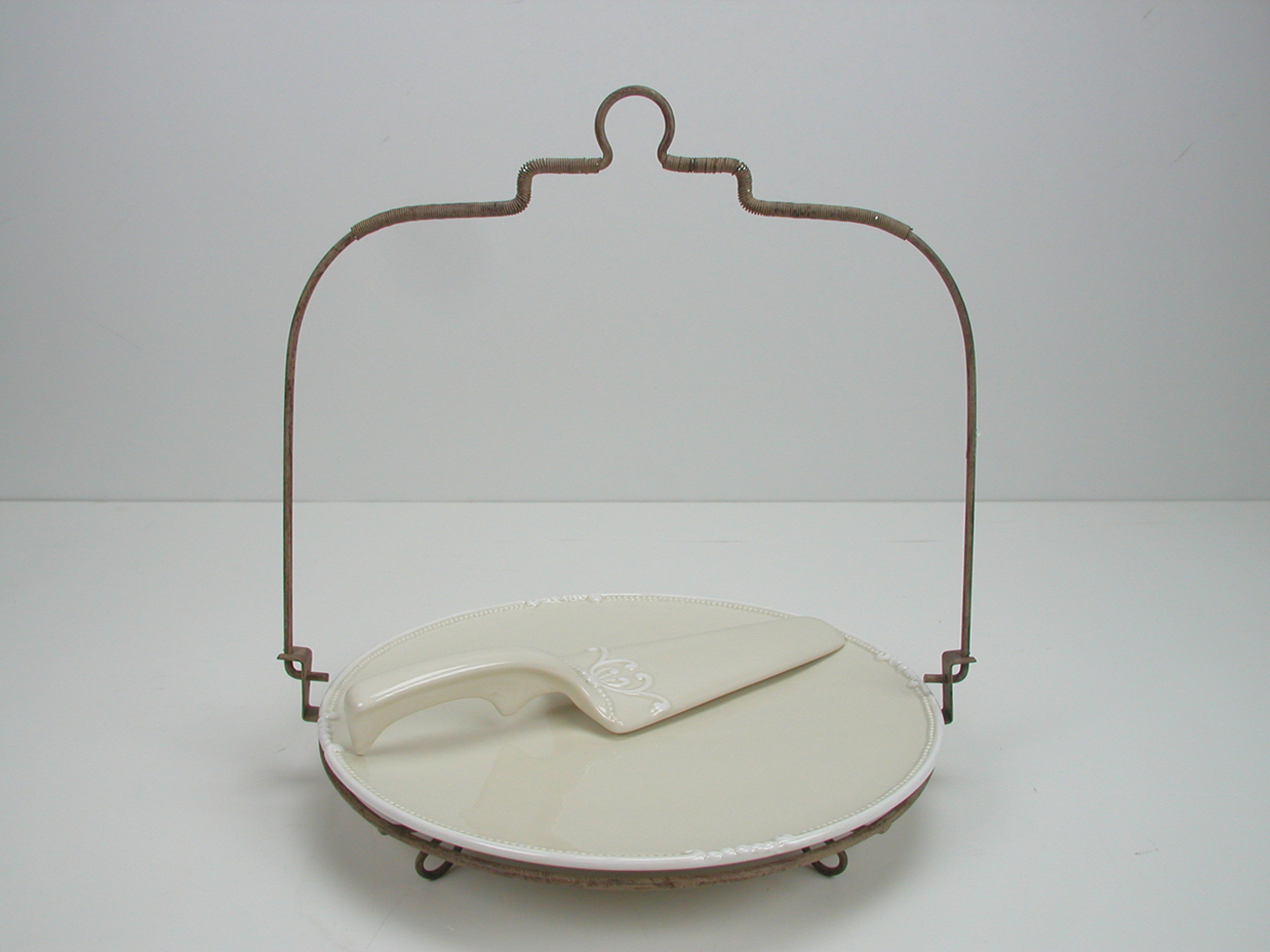Cake dish with scoop Small