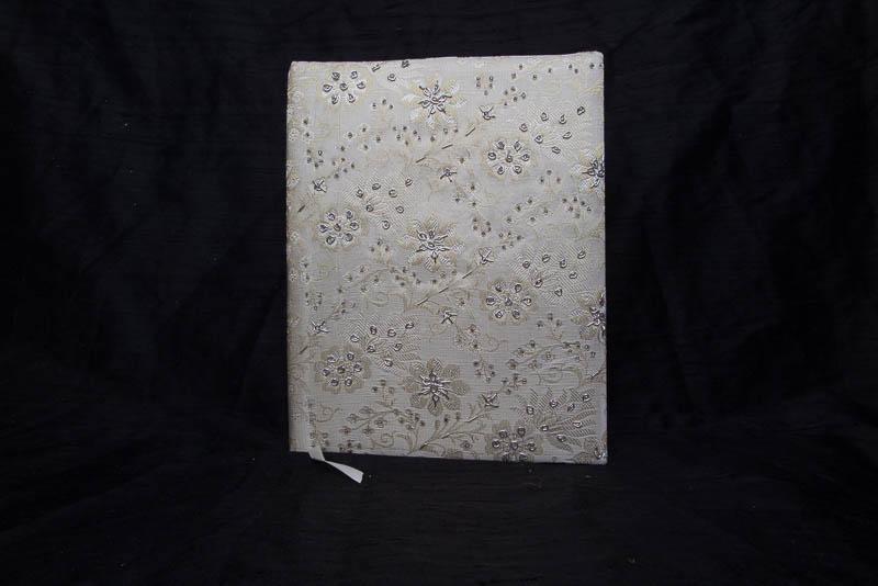 Fotoboek met kralen en geborduurd groot